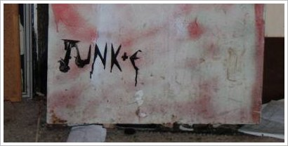 junke logo fridge sm