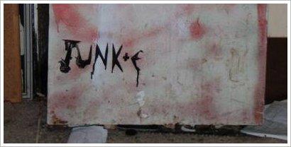 junke logo fridge sm
